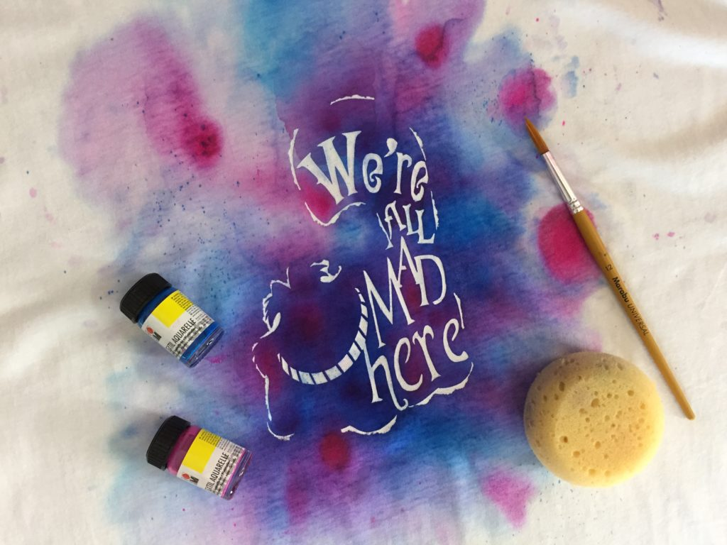 We're all mad here - Alice im Wunderland Motiv - Aquarelle Textil Set von Marabu - Stoffe bemalen